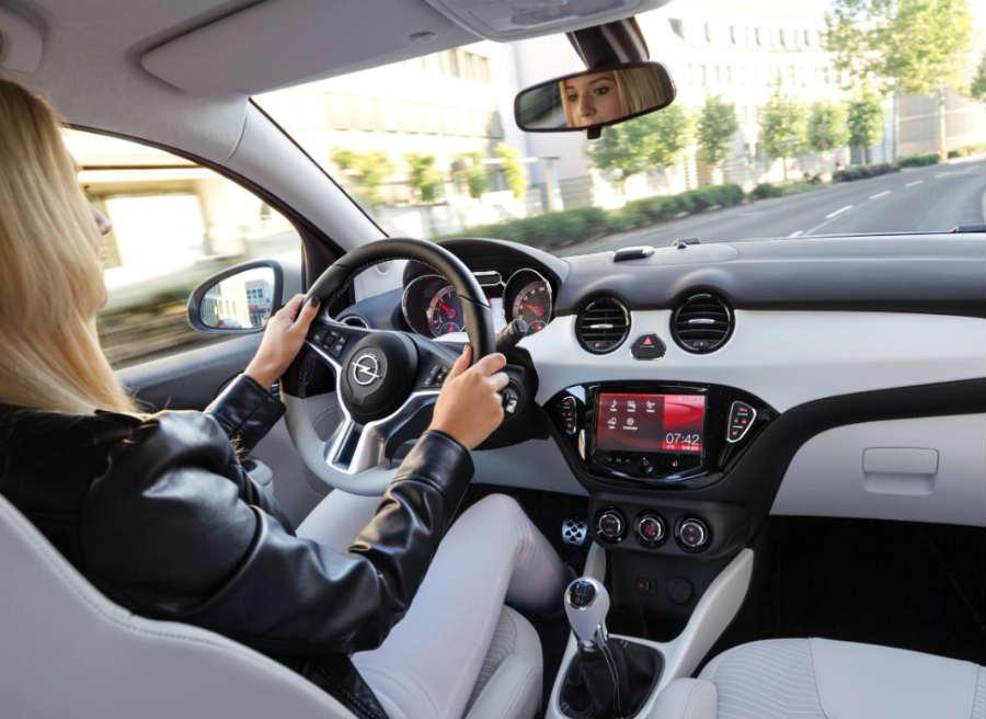 Las nuevas ediciones especiales del Opel Adam cuentan con un gran equipamiento de serie.