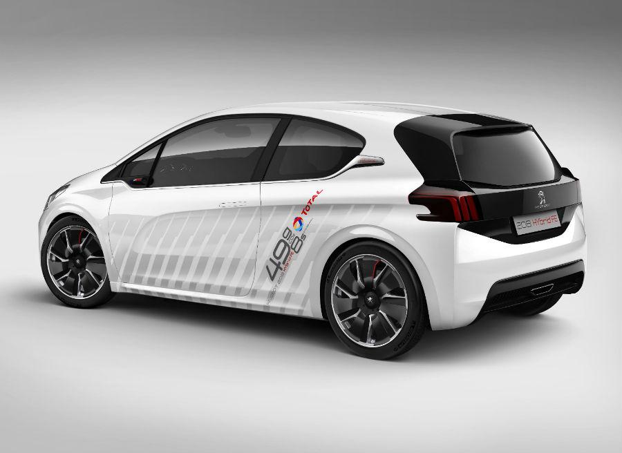 La parte trasera del Peugeot 208 Hybrid FE ha sido totalmente rediseñada.
