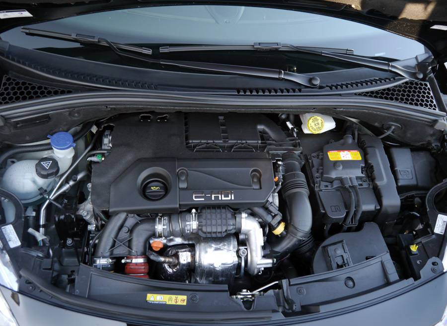 Prueba Citroën DS3 Cabrio eHDi CMP 92 CV, motor, Rubén Fidalgo