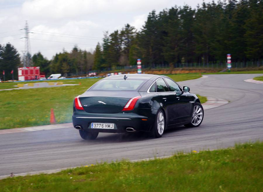 Prueba Jaguar XJ 3.0d 274 CV, A Pastoriza, Rubén Fidalgo