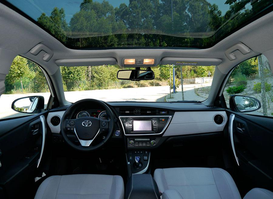 Prueba Toyota Auris Touring Sports Advanced HSD 136 CV 2013, interior, Rubén Fidalgo