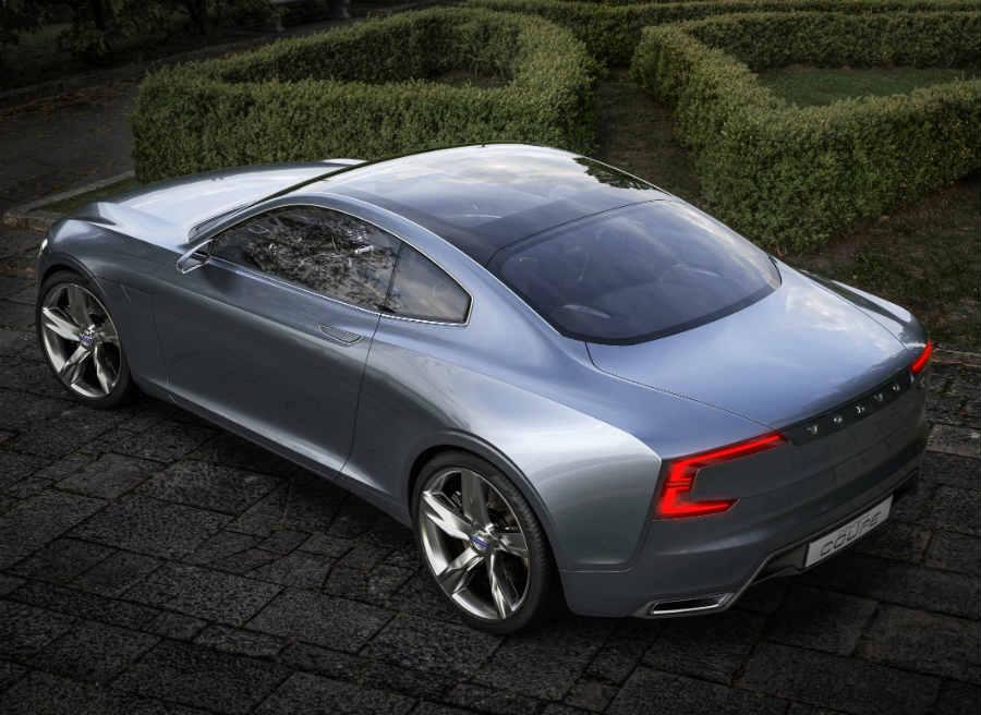 El techo de vidrio es uno de los elementos más espectaculares del Volvo Concept Coupé.