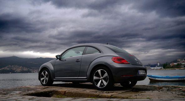 """VW Beetle 1.6 TDi 105 CV 2012: el """"Escarabajo"""", a prueba"""