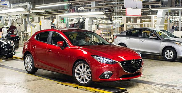 El nuevo Mazda 3, camino de Frankfurt con el Mazda Challenger Tour 2013