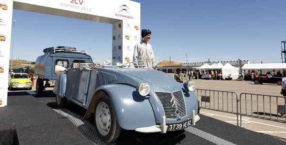 La concentración de Citroën 2CV de Alcañiz (Teruel) reúne más de 2.570 vehículos