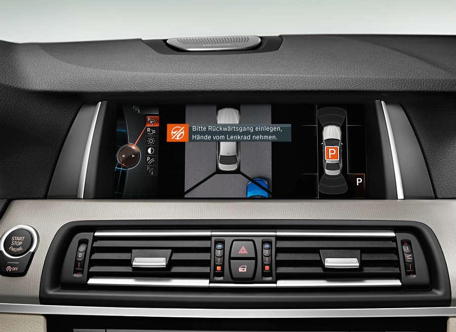 El sistema de aparcamiento de BMW hará todo el trabajo por el conductor.