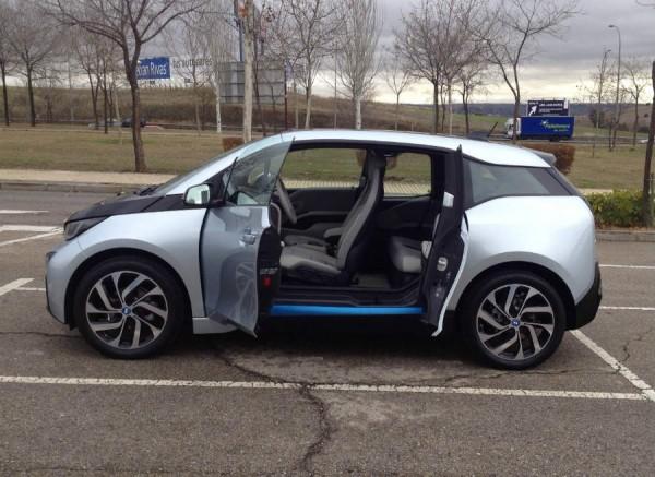 Las puertas traseras del BMW i3 se abren en sentido contrario.