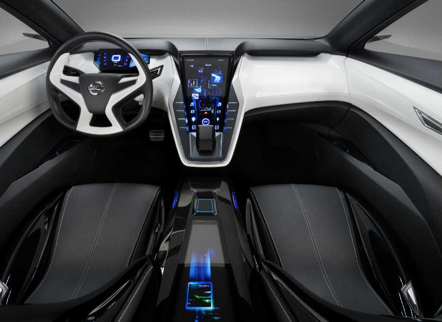 El interior del Nissan Friend-Me Concept es un conjunto tecnológico de última generación.