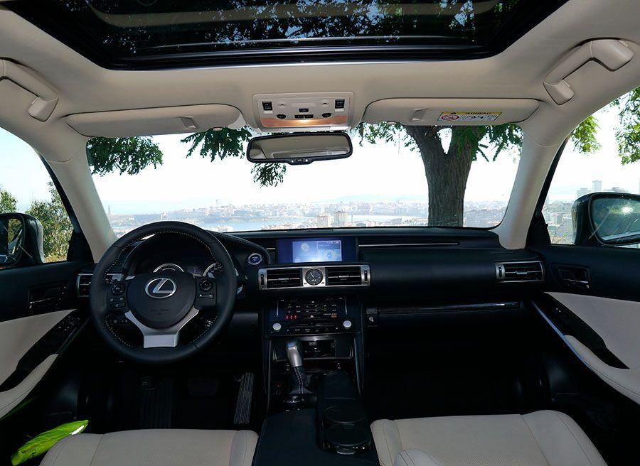 Prueba Lexus IS 300h 2013, interior, Rubén Fidalgo