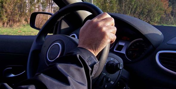 """Las autoescuelas aconsejan no cambiar de marcha """"de oído"""""""