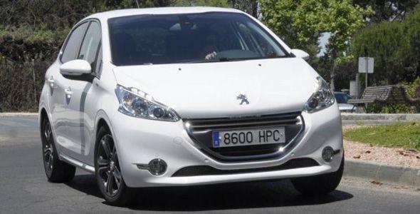 Peugeot 208, el coche más valorado por los internautas españoles