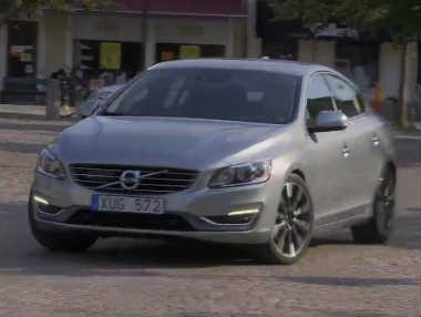 Volvo S60: así es en movimiento
