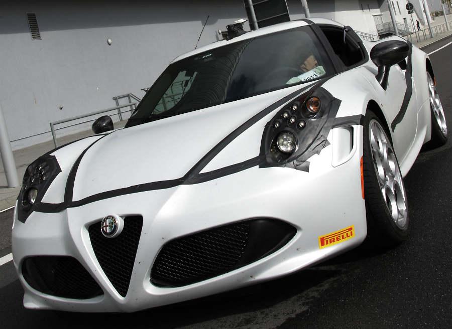 El Alfa Romeo 4C tiene una potencia de 240 CV.