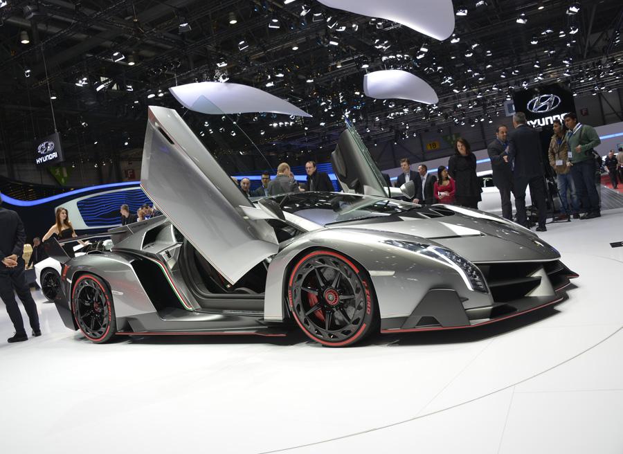 Qu coches puedes comprar por el precio del lamborghini veneno roadster - Coches por 100 euros al mes sin entrada ...