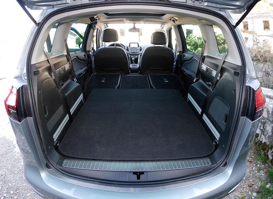 Prueba Opel Zafira Tourer CDTi Biturbo 195 CV, interior, Rubén Fidalgo