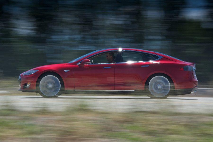 Tesla ya gana a BMW, Mercedes y Audi en Europa