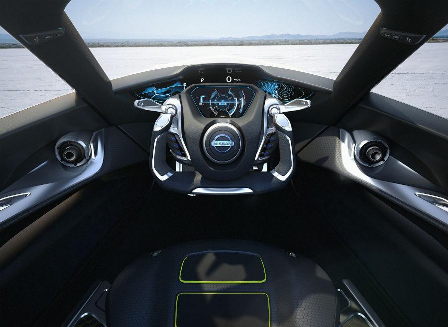 El interior del Nissan BladeGlider parece el de un avión de combate.