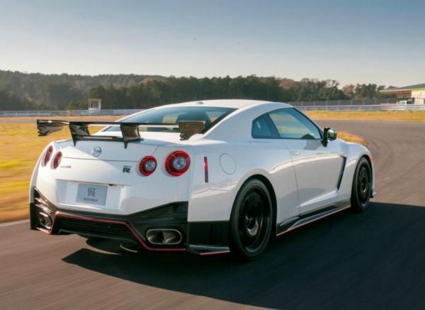 La zaga del Nissan GT-R Nismo es su parte más espectacular.