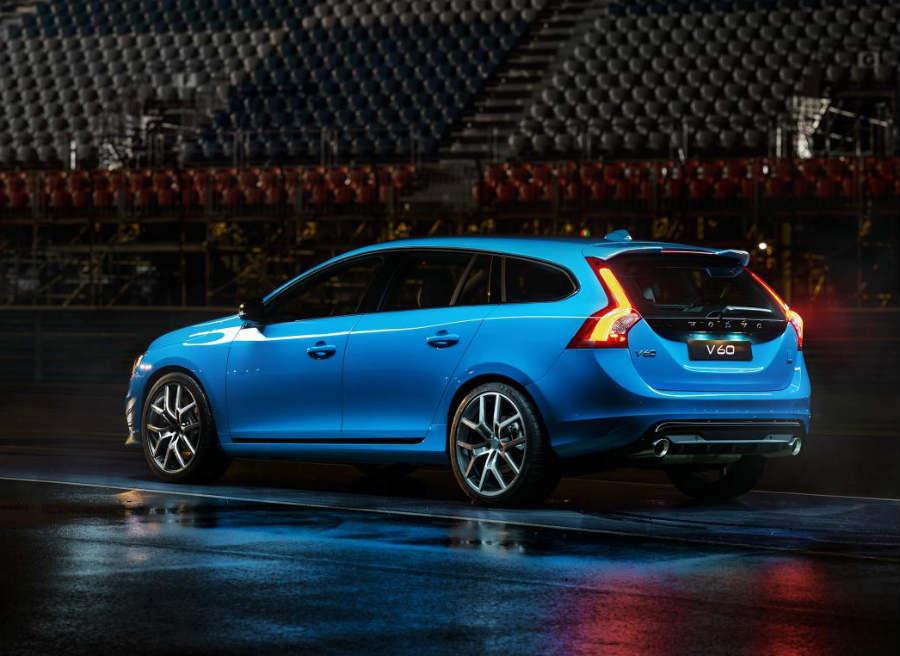El Volvo V60 Polestar cuenta con diversos añadidos aerodinámicos respecto a la versión convecional.