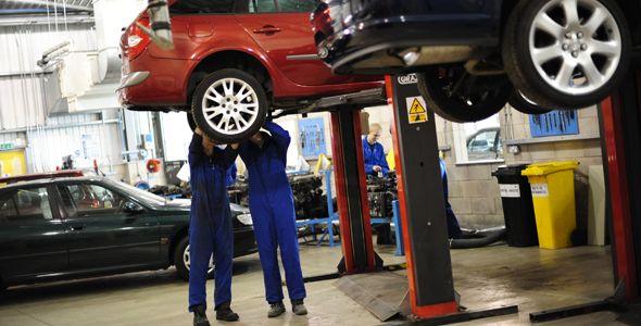 Un mal mantenimiento del coche puede costar 4.000 euros anuales