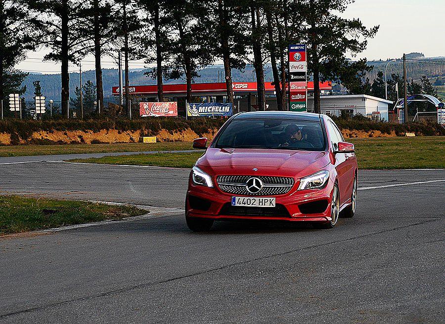 Vídeo prueba del Mercedes CLA 250 AMG Line 211 CV 2013