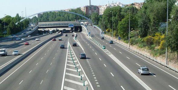 La DGT prevé 5 millones de desplazamientos en el puente de la Constitución