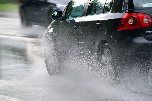 Más de 7.500 accidentes con víctimas cada año por la lluvia