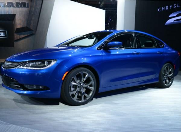 El nuevo Chrysler 200 presume de ser un coche divertido y eficaz.