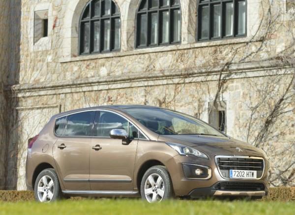 El Peugeot 3008 se presenta con una gama mecánica de lo más amplia.