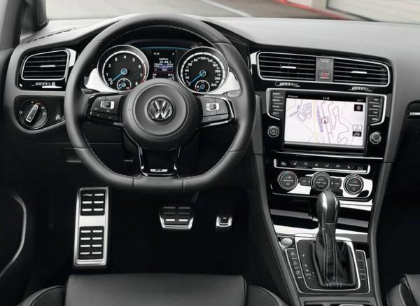 VW Golf R 2014 Detroit