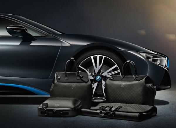 El juego de maletas de Louis Vuitton para el BMW i8 estará disponible desde el 1 de abril.