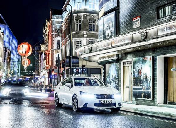 El Lexus GS 450h tiene un precio de partida de 70.700 euros.