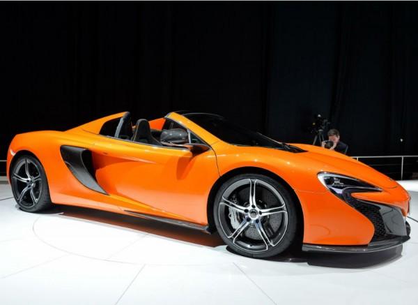 McLaren desvela en Ginebra la versión descapotable del 650S.