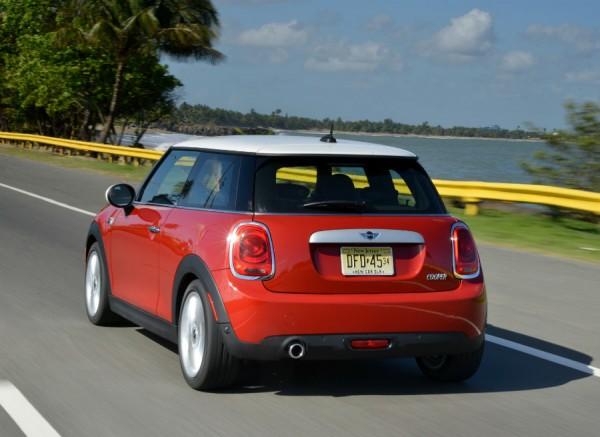 El nuevo Mini cuenta con hasta 5 colores nuevos para la carrocería.