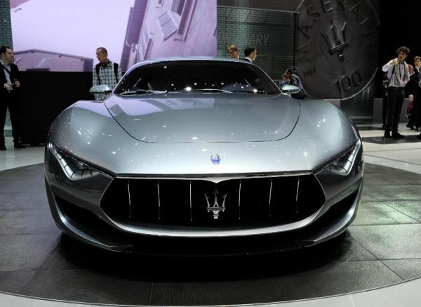 El frontal del Maserati Alfieri impresiona.