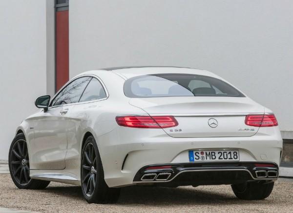 La zaga del Mercedes S63 AMG es probablemente la parte más espectacular del coche.