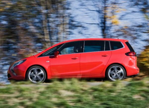 El Opel Zafira cuenta ahora con el sistema de infoentretenimiento IntelliLink.