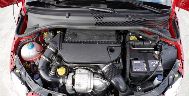 Prueba Fiat 500S 1.3 Multijet 95 CV 2014, motor, Rubén Fidalgo