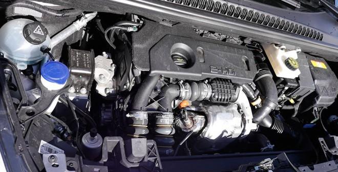 Prueba Peugeot 5008 1.6 e-HDi 115 CV ETG6 automático, motor, Rubén Fidalgo