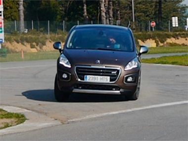Vídeo prueba Peugeot 3008 Hybrid4 2014