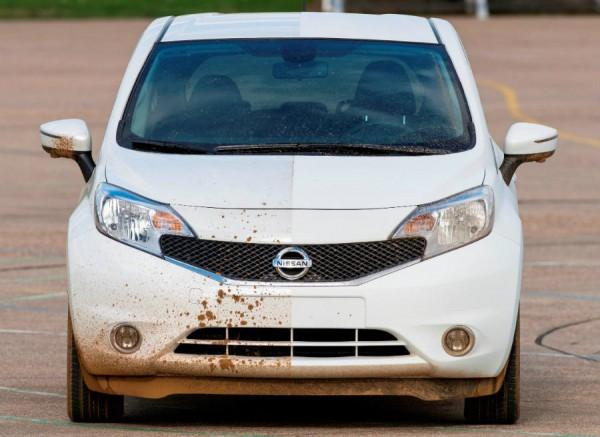 Nissan trabaja en una tecnología que permitirá que nuestro coche se limpie solo.