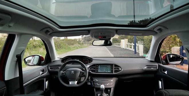 Presentación y prueba Peugeot 308 SW 2014, interior, Rubén Fidalgo