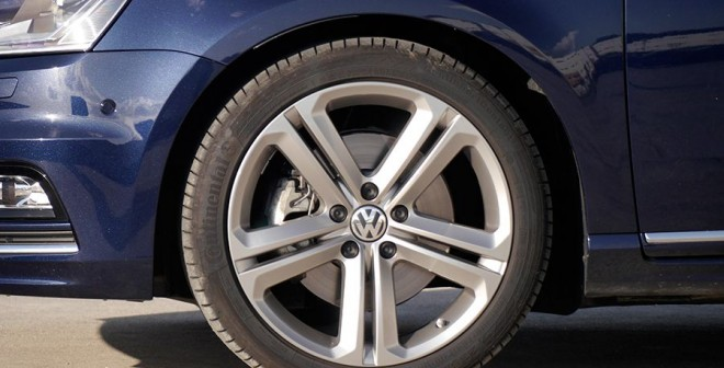 Prueba VW Passat 2.0 TDi Bluemotion R-Line DSG, Llanta, Rubén Fidalgo