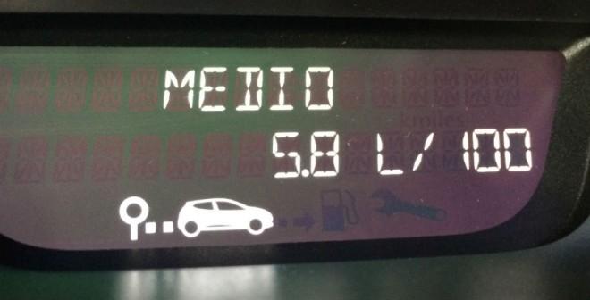 La cifra de consumo medio del Renault Captur con el motor diésel de 90 CV no alcanza los 6 l/100 km.