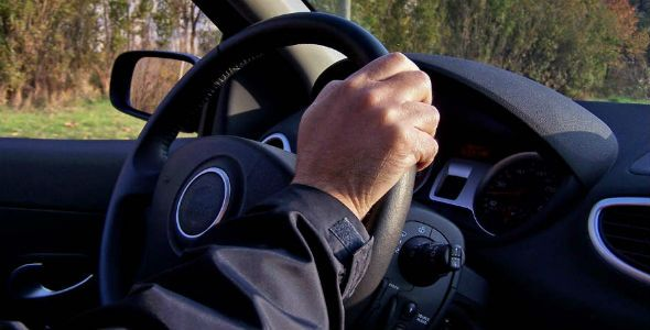 ¿Nos enseñan realmente a conducir en la autoescuela?