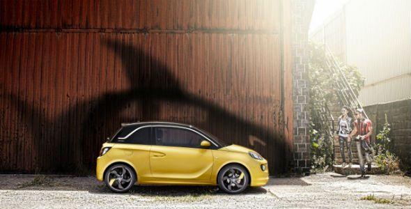 Hay un tiburón dentro del Opel Adam. ¡Encuéntralo!