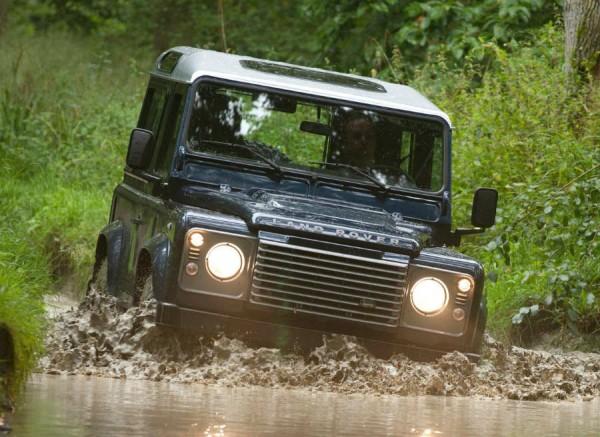 Las dificultados no son tanto al volante del Land Rover Defender.