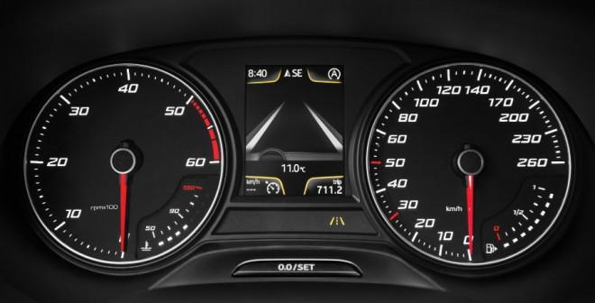 El cuadro de mandos del León Ecomotive sufre pocos cambios respecto al convencional.