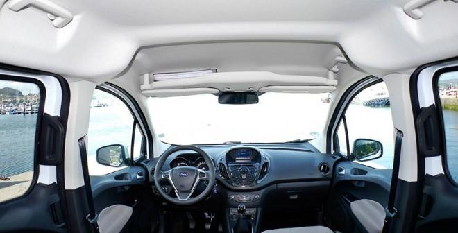 Ford Tourneo Courier 90 CV Titanium, interior, Rubén Fidalgo