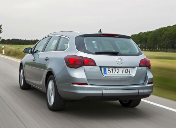 La versión familiar del Astra tiene un precio de partida de 22.650 euros si lo equipamos con el motor 1.6 CDTI.